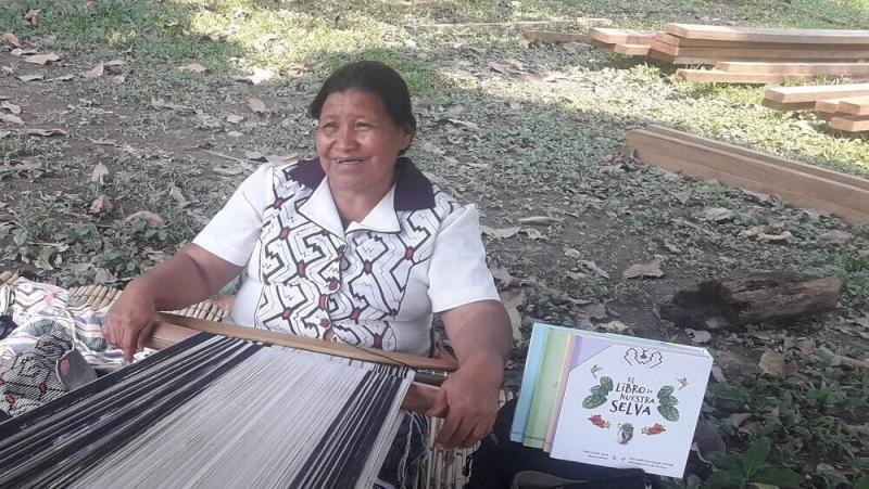 Conoce el trabajo de las madres artesanas del Bajo Urubamba