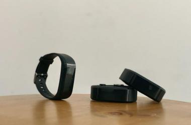 Desarrollan pulsera inteligente para control de distanciamiento social