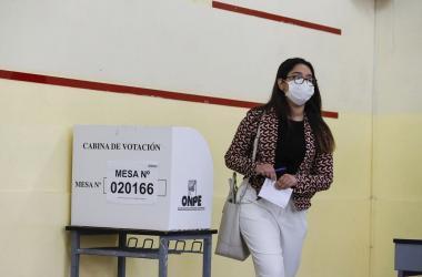 Elegimos.pe: Universitarios crean plataforma para ayudar a peruanos a votar informados