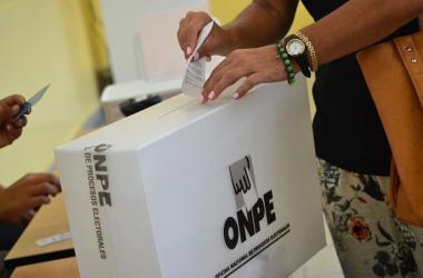 Elecciones 2021: Antes de votar infórmate como si fueras a comprar un nuevo celular o TV