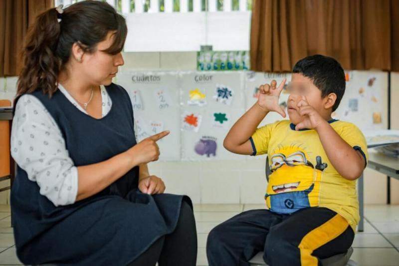 Modifican reglamento de Ley General de Educación para promover enseñanza inclusiva