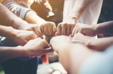 ¿Cómo gestionar equipos de alto desempeño? Este curso del Campus Virtual Romero te ayudará
