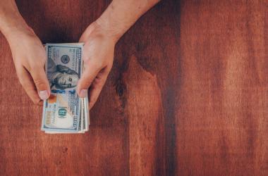 Remesas digitales son más rápidas y menos costosas, pero enfrentan barreras