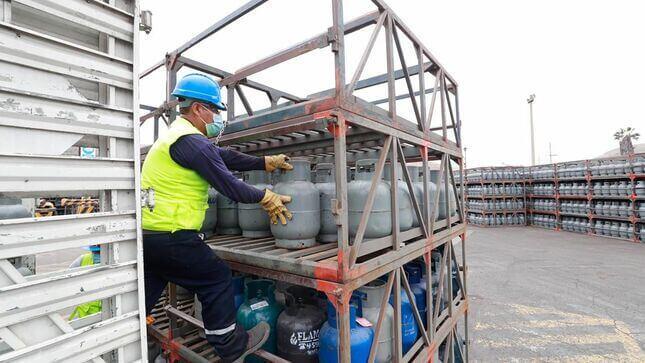 Ministerio de Energía considera que debería reducirse precio del balón de gas a usuarios