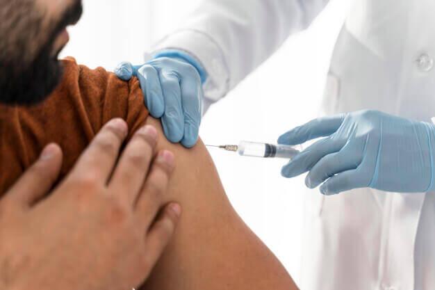 El 54% de limeños evalúa viajar este año para vacunarse contra el Covid-19