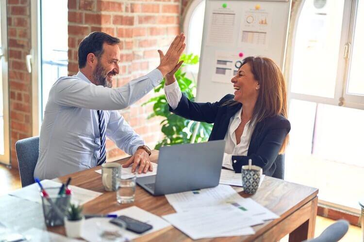 Beneficios de contar con una política salarial equitativa