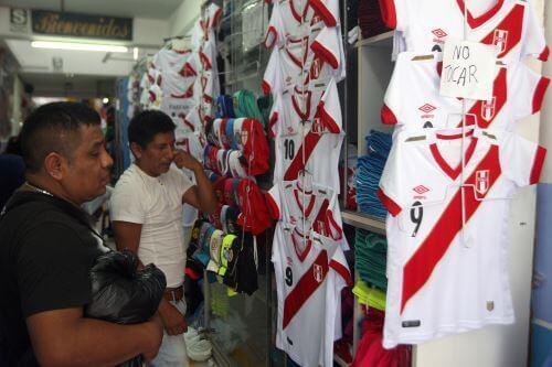 Gamarra: crece venta de camisetas por próximos partidos de la selección peruana