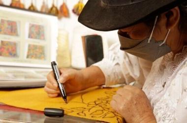 Empresarios y artesanos regionales se unen a importantes diseñadores peruanos para lanzar colecciones con proyección internacional