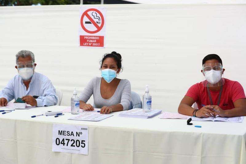 Trabajadores que fueron miembros de mesa sustentarán día libre con certificado de ONPE