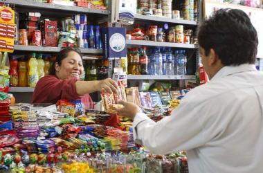 El 45 % de las bodegas que abrieron durante la pandemia en Lima ya habrían cerrado