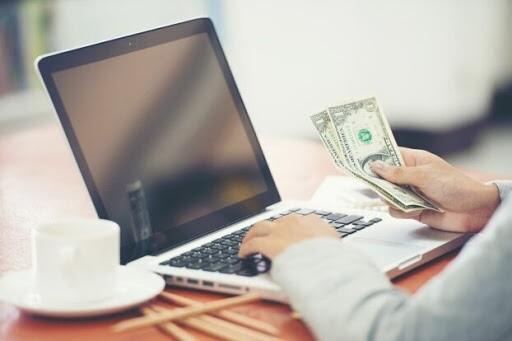 Cuatro de cada 10 operaciones de cambio de moneda son por canal online