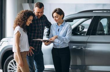 ¿Qué debo considerar si quiero comprar un vehículo seminuevo a crédito?