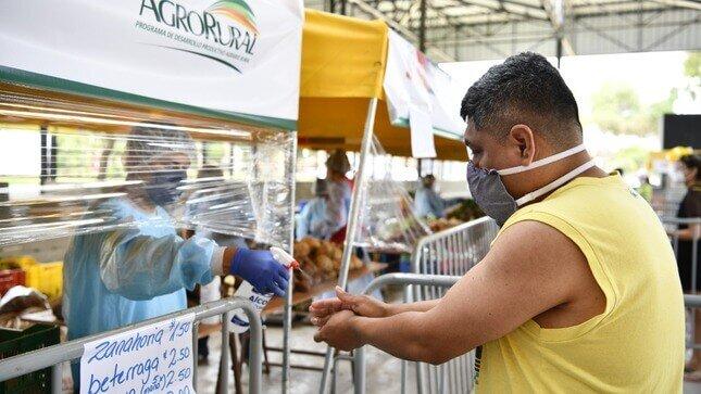"""Mercados """"De la Chacra a la Olla"""" comercializan 5 mil toneladas de alimentos de la agricultura familiar y benefician a 29,000 productores"""