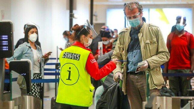 Dictan nuevas medidas sanitarias para los vuelos aéreos internacionales