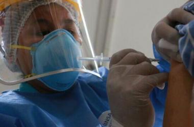 Covid-19: sábado 17 de julio comenzaría vacunación de mayores de 40 años