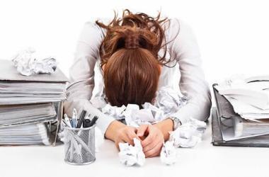 ¿Cuáles son los síntomas del agotamiento laboral y cómo superarlos?