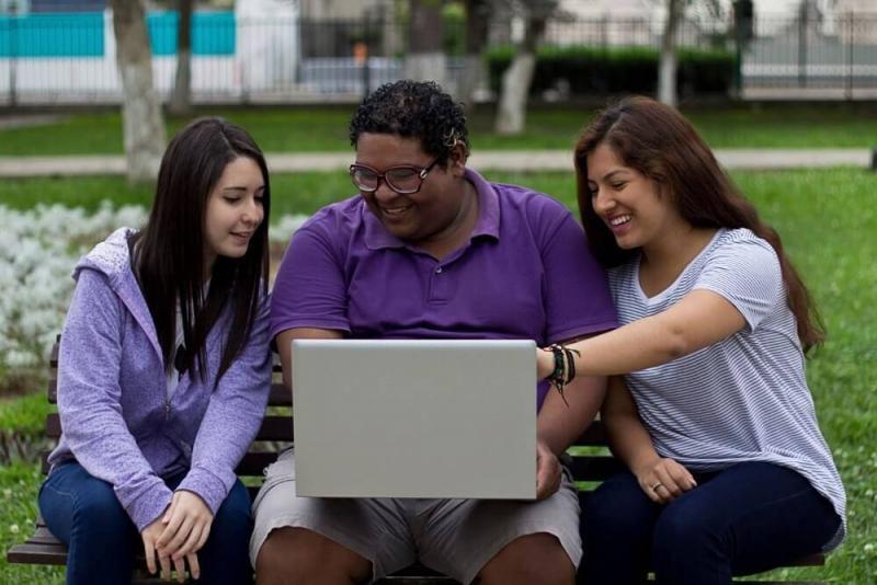 Lanzan convocatoria de 3000 becas para jóvenes sin empleo formal