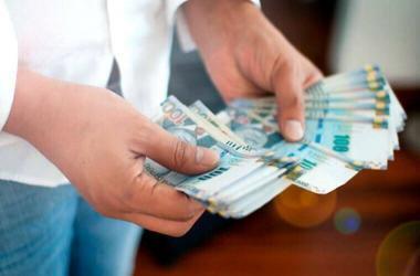 Gratificación de Fiestas Patrias: Hasta 40% de ese dinero extra sería usado para pagar deudas