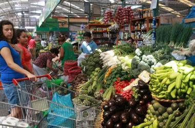 Inflación comenzaría a reducirse en próximas semanas, según Ministerio de Economía