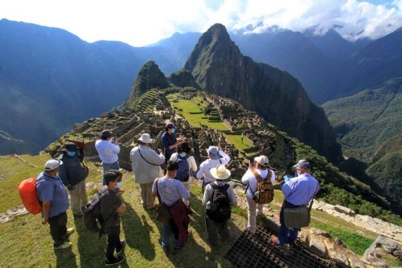 El 64% de trabajadores del sector turístico en Perú eran informales antes de la pandemia, según OIT