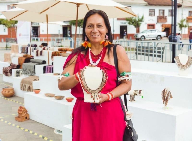 mujeres artesanas amazonas