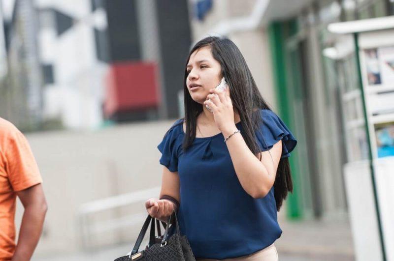 Casi medio millón de líneas móviles cambiaron de operador en julio