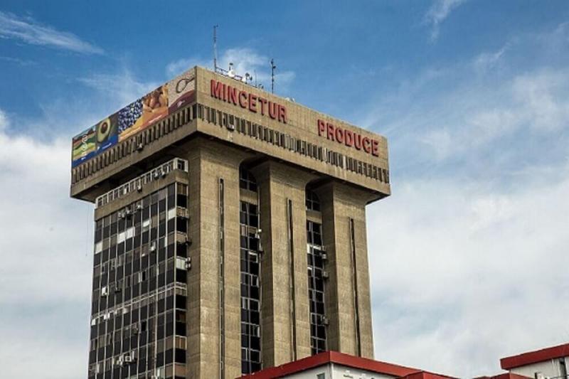 Exministros de Comercio Exterior y Turismo rechazan propuesta de eliminar Mincetur