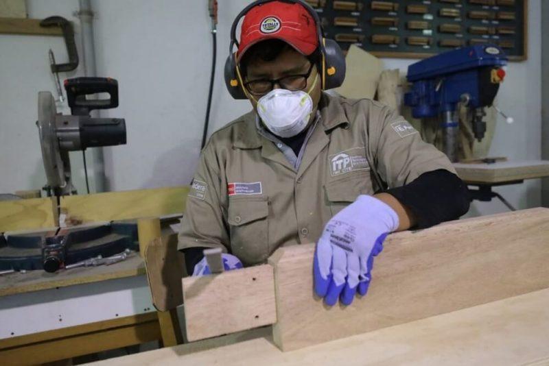 Economía peruana crecería 4.8% durante 2022, estima el MEF
