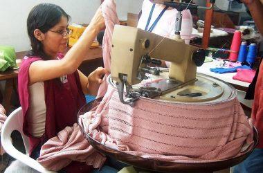Crecen exportaciones peruanas de suéteres de fibra de alpaca