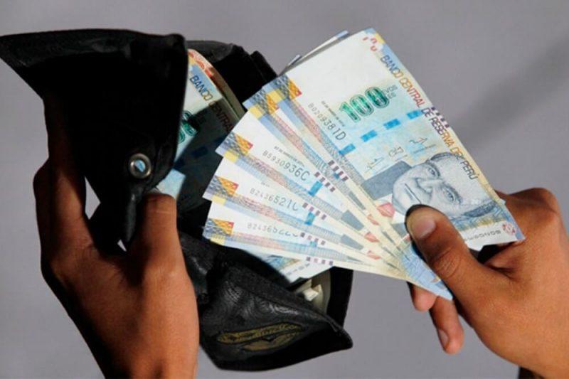 Pedro Francke: No es el mejor momento para subir remuneración mínima vital