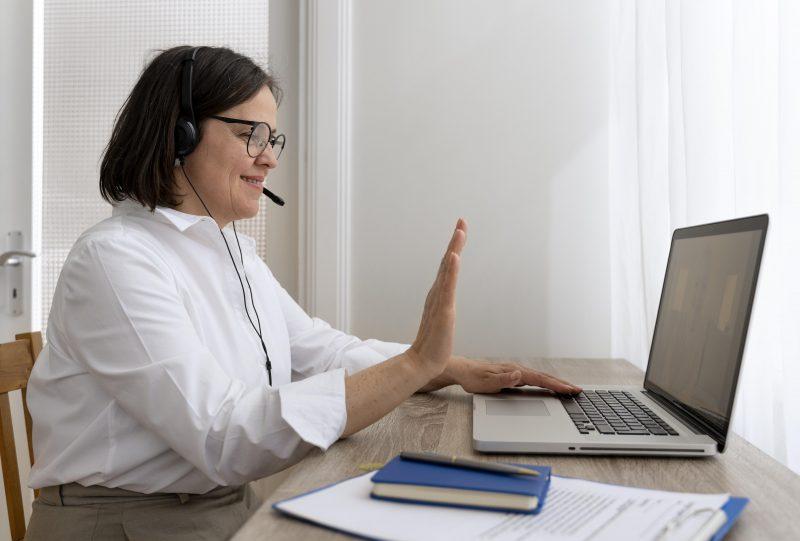 Universitarios crean plataforma para capacitar a docentes peruanos en uso de las TIC