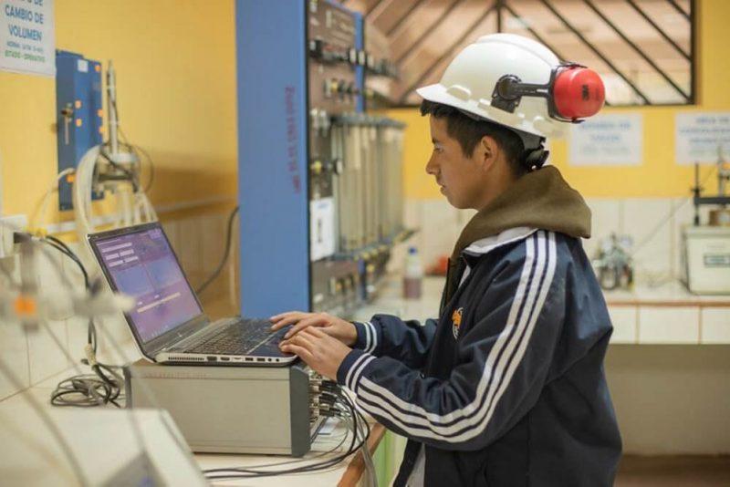 ¿Buscas una carrera de ingeniería o tecnología para estudiar? Estas son las más demandadas