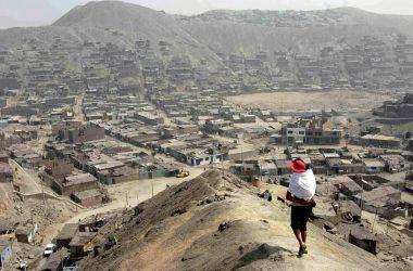 Pobreza afectaría al 29% de peruanos si economía se estanca y sube desigualdad