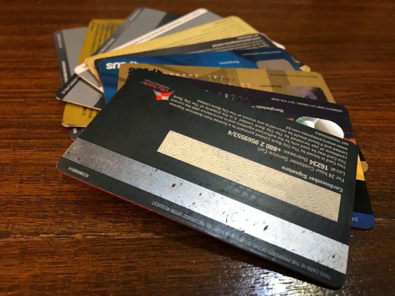 Tarjetas de crédito: cómo darles buen uso y evitar sobreendeudarse