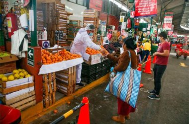 Siete de cada 10 peruanos admiten que sus ingresos no alcanzan para comprar alimentos