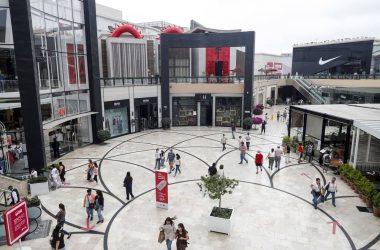Conoce los nuevos aforos para centros comerciales, tiendas, cines y otros negocios