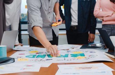 Retan a startups peruanas a proponer soluciones para la inclusión financiera digital