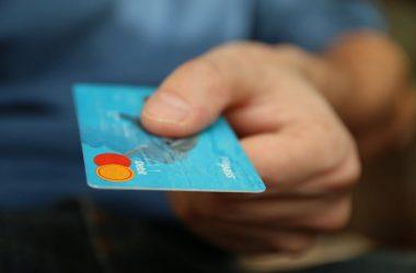 Compras con tarjetas crecen 71% en septiembre 2021