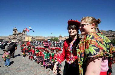 Perú recibiría 600,000 turistas extranjeros este año, según Apavit